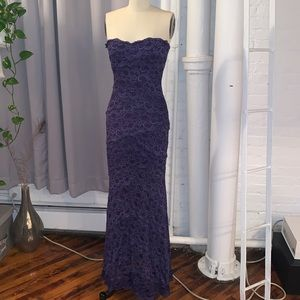Nicole Miller size 4 strapless evening lace gown
